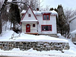 Quadruplex à vendre à Saguenay (Chicoutimi), Saguenay/Lac-Saint-Jean, 174, Rue  Price Est, 18747650 - Centris.ca