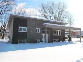 Maison à vendre à Valcourt - Ville, Estrie, 953, Rue  J-A.-Bombardier, 27486765 - Centris.ca