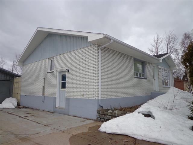 Maison à vendre à Pointe-aux-Outardes, Côte-Nord, 283, Chemin  Principal, 11555262 - Centris.ca
