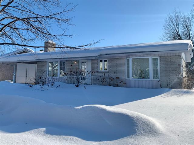 House for sale in Saguenay (Jonquière), Saguenay/Lac-Saint-Jean, 2959, Rue  Saint-Georges, 12239842 - Centris.ca