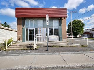 Maison à vendre à Thetford Mines, Chaudière-Appalaches, 601, Rue  Saint-Désiré, 24672763 - Centris.ca