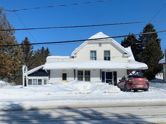 Triplex à vendre à Val-Morin, Laurentides, 6061 - 6065, Rue  Morin, 21196035 - Centris.ca