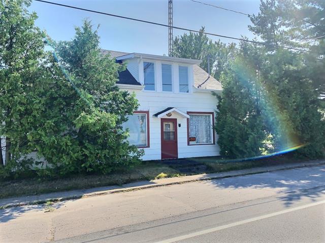 House for sale in Latulipe-et-Gaboury, Abitibi-Témiscamingue, 2, Rue  Principale Est, 23268633 - Centris.ca