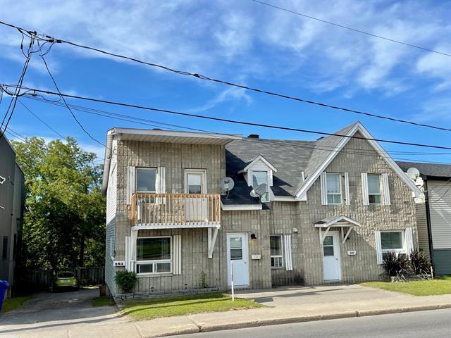 Triplex à vendre à Lachute, Laurentides, 281 - 285, Rue  Principale, 24047937 - Centris.ca