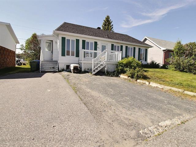 House for sale in Port-Cartier, Côte-Nord, 93, Rue  Élie-Rochefort, 22084850 - Centris.ca