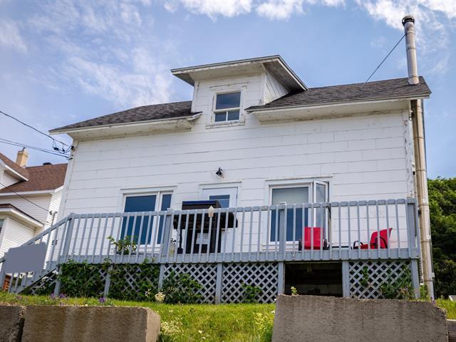 Maison à vendre à Cap-Chat, Gaspésie/Îles-de-la-Madeleine, 93, Rue  Notre-Dame, 17949789 - Centris.ca