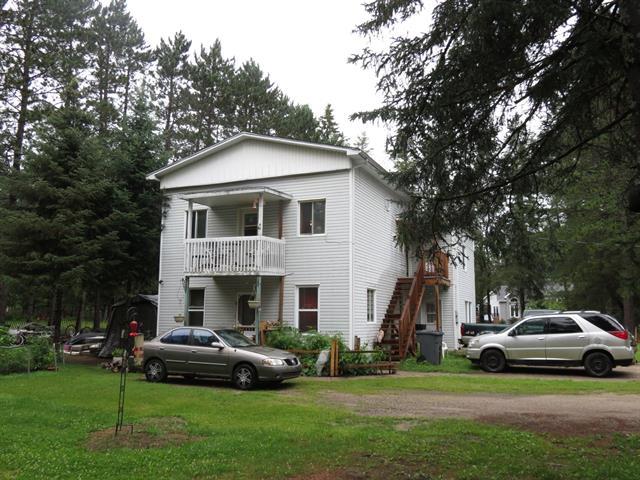 Triplex à vendre à Nominingue, Laurentides, 2149 - 2153, Rue  Demers, 20120269 - Centris.ca