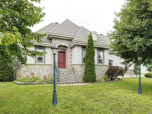 Triplex à vendre à Sainte-Geneviève-de-Berthier, Lanaudière, 21, Avenue  Girard, 26846638 - Centris.ca