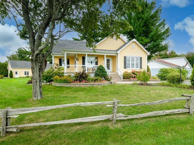 Maison à vendre à Saint-Félix-de-Kingsey, Centre-du-Québec, 19, Chemin des Domaines, 25650128 - Centris.ca