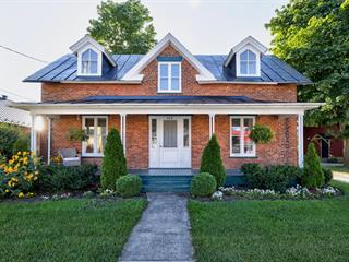 Maison à vendre à Hemmingford - Village, Montérégie, 468, Rue  Frontière, 26375606 - Centris.ca