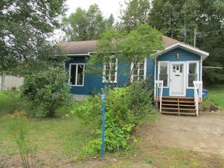 House for sale in Blue Sea, Outaouais, 392, Chemin du Lac-Long, 15770107 - Centris.ca