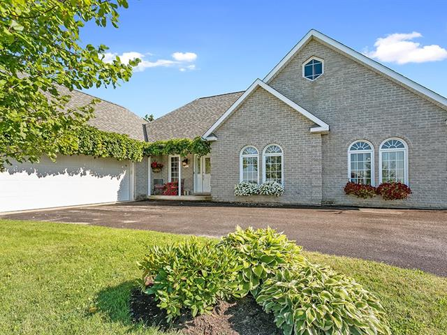 Maison à vendre à Shawville, Outaouais, 310, Rue  Centre, 15556189 - Centris.ca