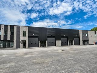 Local industriel à louer à Saint-Eustache, Laurentides, 795, boulevard  Arthur-Sauvé, local 102-103, 15098068 - Centris.ca