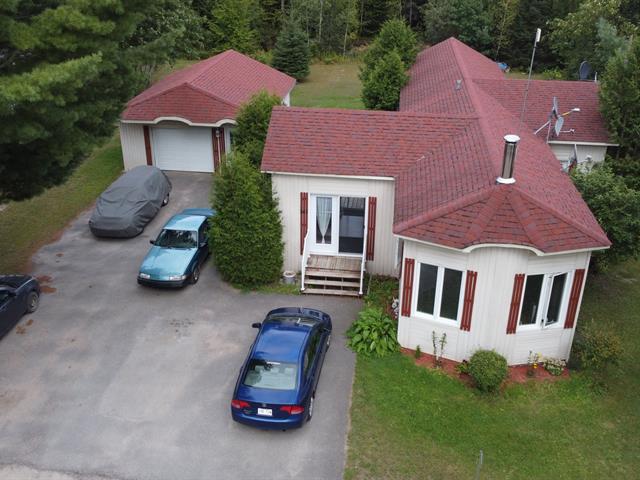 Maison mobile à vendre à Brownsburg-Chatham, Laurentides, 141, Rue  Audrey, 28515140 - Centris.ca
