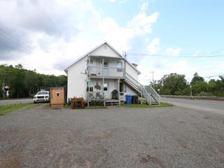 Duplex à vendre à Saint-Tite, Mauricie, 525 - 527, Route  153, 16935895 - Centris.ca