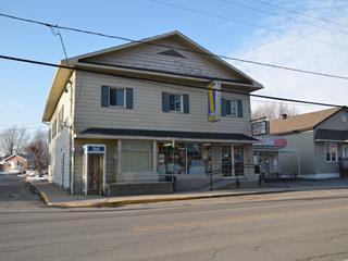 Triplex à vendre à Saint-Damase (Montérégie), Montérégie, 172, Rue  Principale, 11862299 - Centris.ca