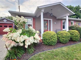 Maison à vendre à Victoriaville, Centre-du-Québec, 10, Rue  Suzor-Coté, 25484599 - Centris.ca
