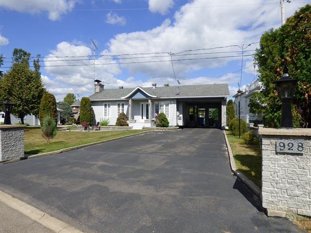 House for sale in Saint-Félicien, Saguenay/Lac-Saint-Jean, 928, Rue  Thibeault, 9464584 - Centris.ca