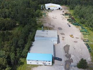 Bâtisse industrielle à vendre à Saguenay (Chicoutimi), Saguenay/Lac-Saint-Jean, 4214, boulevard  Talbot, 25696429 - Centris.ca