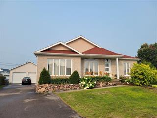 Maison à vendre à Dolbeau-Mistassini, Saguenay/Lac-Saint-Jean, 174, Avenue  Bouchard, 27110604 - Centris.ca
