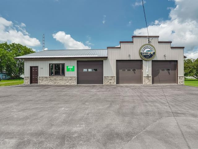 Commercial building for sale in Shawville, Outaouais, 31, Avenue  Victoria, 15418244 - Centris.ca