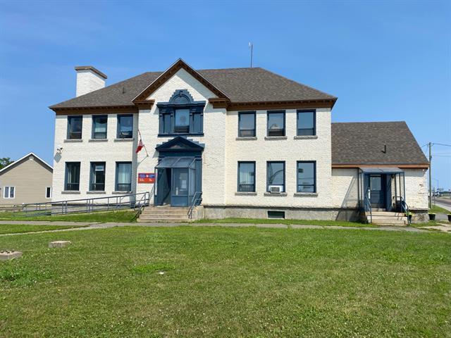 Triplex à vendre à Bonaventure, Gaspésie/Îles-de-la-Madeleine, 99 - 99B, Avenue de Port-Royal, 10759602 - Centris.ca