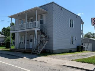 Duplex à vendre à Mont-Laurier, Laurentides, 580 - 584, Rue  Limoges, 13872301 - Centris.ca