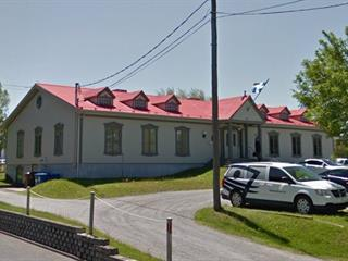Commercial unit for rent in Rimouski, Bas-Saint-Laurent, 79, Rue de l'Évêché Est, 12608554 - Centris.ca
