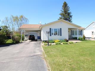 Maison à vendre à Saint-Félicien, Saguenay/Lac-Saint-Jean, 1106, boulevard  Gagnon, 18375966 - Centris.ca
