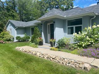 House for sale in Hudson, Montérégie, 176, Rue  Main, 25860247 - Centris.ca