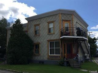 Triplex à vendre à Saguenay (Chicoutimi), Saguenay/Lac-Saint-Jean, 2615Z - 2619Z, Rue  Roussel, 14978232 - Centris.ca
