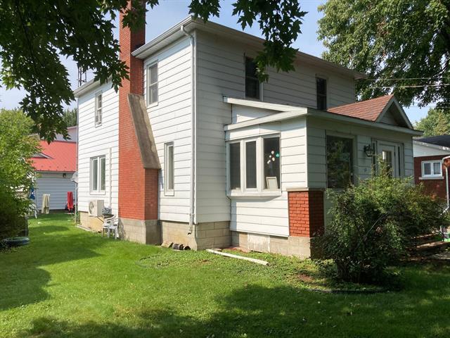 Income properties for sale in Huntingdon, Montérégie, 32 - 32A, Rue  Hunter, 23941677 - Centris.ca