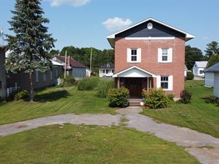 Maison à vendre à Shawville, Outaouais, 417, Rue  Main, 27323821 - Centris.ca