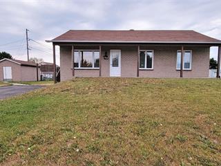 Maison à vendre à Dolbeau-Mistassini, Saguenay/Lac-Saint-Jean, 168, Rue  Cousineau, 16518509 - Centris.ca