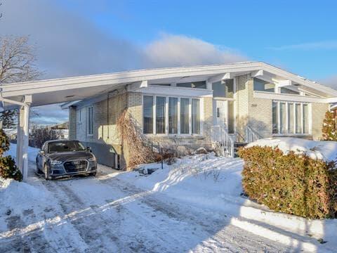 House for sale in Sainte-Anne-des-Monts, Gaspésie/Îles-de-la-Madeleine, 109, boulevard  Sainte-Anne Ouest, 27707324 - Centris.ca
