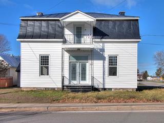 Triplex à vendre à Batiscan, Mauricie, 661 - 663, Rue  Principale, 17624594 - Centris.ca