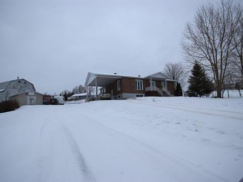 House for sale in Saint-Isidore-de-Clifton, Estrie, 75, Rue  Principale, 25120291 - Centris.ca