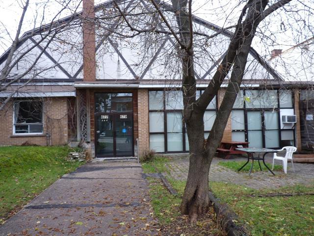 Bâtisse commerciale à vendre à Mont-Laurier, Laurentides, 677 - 679, Rue de la Madone, 16468804 - Centris.ca