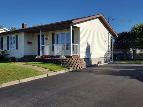 Maison à vendre à Matane, Bas-Saint-Laurent, 437, Rue  Saint-Aubin, 26874014 - Centris.ca