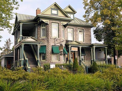 Bâtisse commerciale à vendre à Joliette, Lanaudière, 554 - 556, boulevard  Manseau, 11506486 - Centris.ca