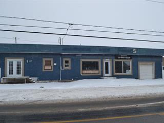 Bâtisse commerciale à vendre à Alma, Saguenay/Lac-Saint-Jean, 3322 - 3324, Avenue du Pont Nord, 16135910 - Centris.ca