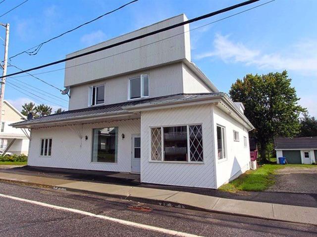 Quadruplex for sale in Saint-Philémon, Chaudière-Appalaches, 1379, Rue  Principale, 19722525 - Centris.ca