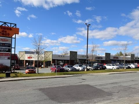 Commercial unit for rent in Sherbrooke (Fleurimont), Estrie, 27, 10e Avenue Nord, 15693838 - Centris.ca