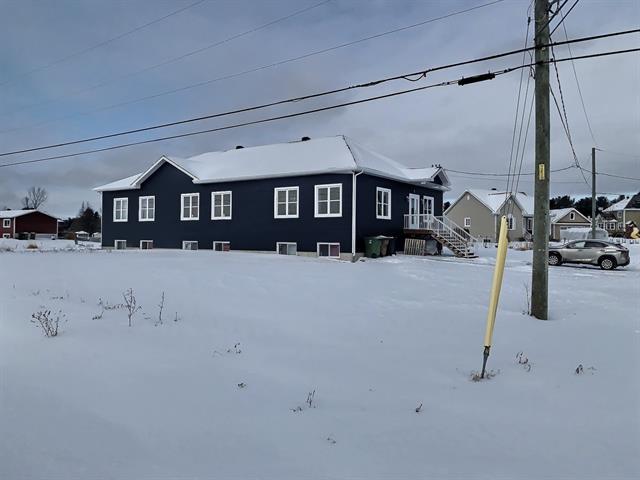 Triplex à vendre à Saint-Louis-de-Blandford, Centre-du-Québec, 26Z - 28Z, 10e Rang, 13360830 - Centris.ca