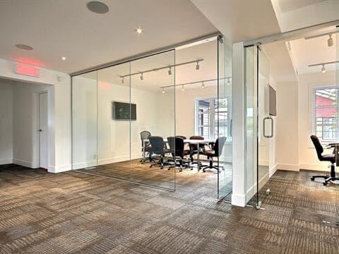 Commercial unit for rent in Beloeil, Montérégie, 914, Rue  Laurier, suite 201, 27296816 - Centris.ca