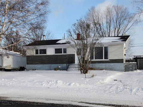 House for sale in Baie-Comeau, Côte-Nord, 1691, Rue  Brochard, 24377768 - Centris.ca