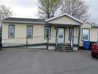 Maison à vendre à Mont-Joli, Bas-Saint-Laurent, 1811Z, boulevard  Benoît-Gaboury, 27533002 - Centris.ca
