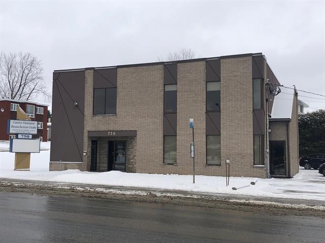 Local commercial à vendre à Sherbrooke (Fleurimont), Estrie, 750, 13e Avenue Nord, local 100, 28749383 - Centris.ca