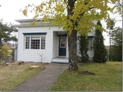 House for sale in Lac-Etchemin, Chaudière-Appalaches, 261 - 261A, 2e Avenue, 22797726 - Centris.ca