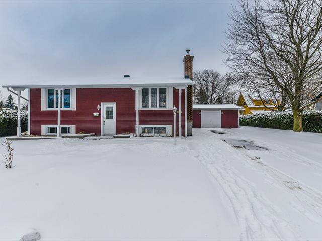 House for sale in Mont-Saint-Hilaire, Montérégie, 325, Rue  De La Salle, 10141109 - Centris.ca